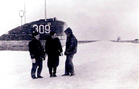 АПЛ К-42 на полярной станции СП-16